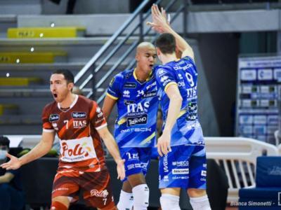 Champions League volley: spettacolare rimonta di Trento che vince al tie-break contro la Lokomotiv Novosibirsk. Nimir Abdel Aziz spaziale
