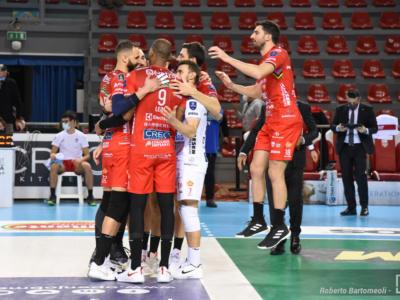 Volley, SuperLega: Perugia-Civitanova, il big match servito sotto l'Albero! Sfida per il primo posto. Recupera anche Modena