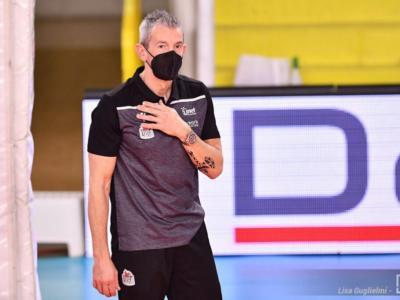 Volley femminile, salta la panchina di Busto Arsizio. Marco Fenoglio non è più l'allenatore delle Farfalle