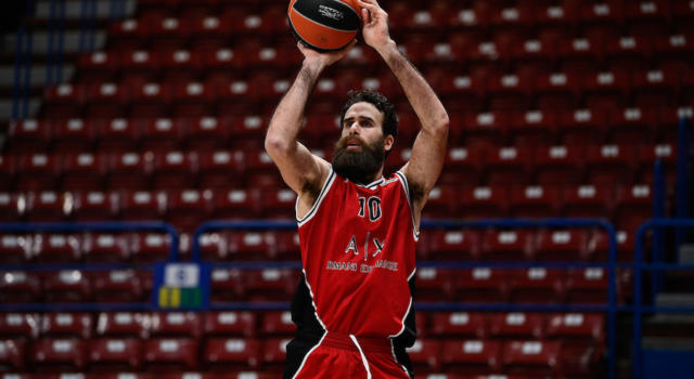 VIDEO Olimpia Milano-Valencia 95-80, highlights e sintesi Eurolega: Datome show, meneghini in zona playoff