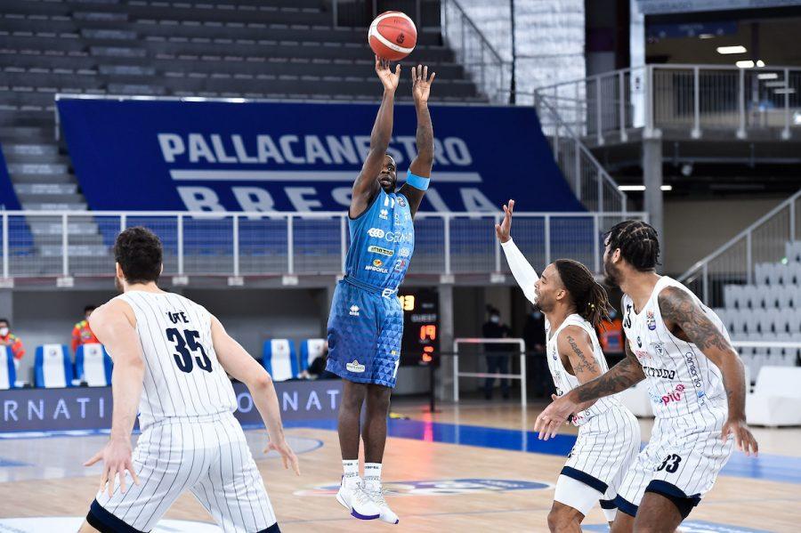 Basket, Brescia batte la Fortitudo Bologna nell'anticipo della 10ª giornata di Serie A 2020 2021