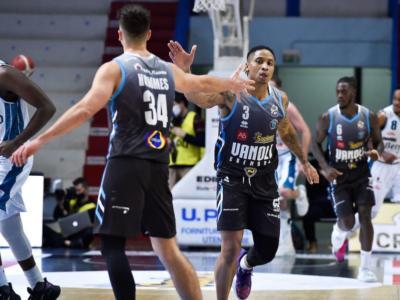 Basket, Serie A: Cremona batte Brescia dopo una grande rimonta