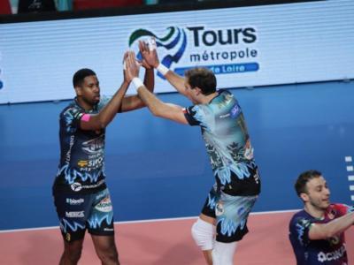 Volley, Perugia schianta il Tours e torna alla vittoria in Champions League. Rincorsa a Civitanova per i quarti