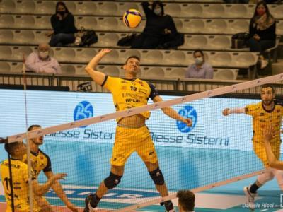 LIVE Modena-Verona 3-1 Superlega volley in DIRETTA: i Canarini conquistano un successo importante