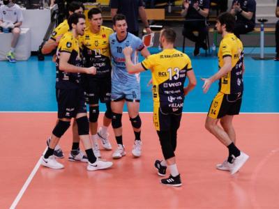 Volley, Modena soffre contro il Roeselare: vittoria al tie-break, terzo sigillo in Champions League