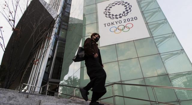 """Le Olimpiadi si faranno? Tokyo smentisce la cancellazione annunciata da The Times: """"Voci prive di fondamento"""""""