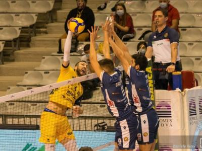 Volley, SuperLega: Modena batte Verona 3-1 nel recupero e si rilancia in classifica