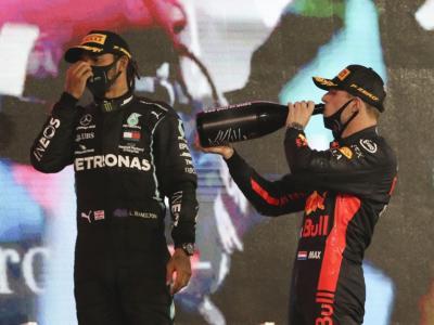 """F1, Max Verstappen su Lewis Hamilton: """"E' uno dei migliori piloti di sempre. Siamo rivali, ma ci rispettiamo"""""""