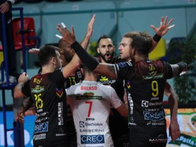 Volley, Civitanova batte Perugia nel derby infuocato di Champions League! Ruggito della Lube a Tours