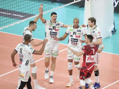 Volley, SuperLega: Civitanova batte Modena al tie-break, Trento inarrestabile contro Cisterna