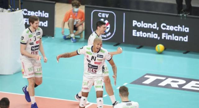 Volley, SuperLega: Trento batte Modena nel big match e sale al quarto posto. Perugia liquida Cisterna ed è sempre prima