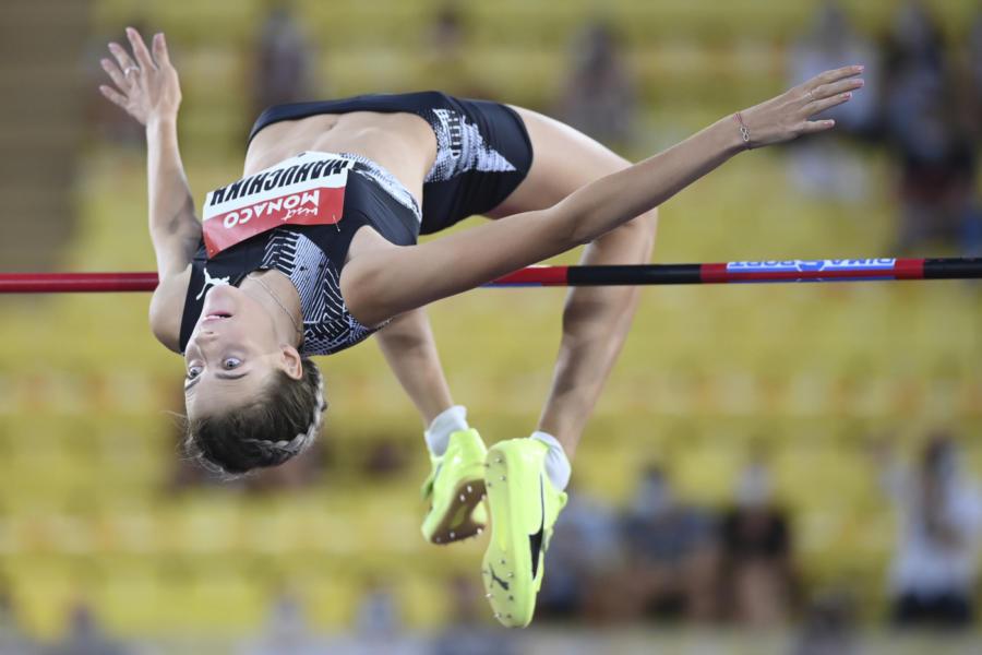 Atletica, Yaroslava Mahuchikh salta 2 metri a Udine! Alessia Trost tocca 1.93 e prova il minimo olimpico