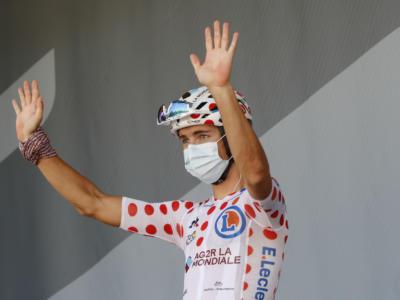Ciclismo, un problema al ginocchio costringe Benoit Cosnefroy a rinviare l'esordio stagionale