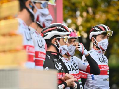 Ciclismo, l'UAE Team Emirates fa un grande passo in avanti: corridori e staff si vaccinano contro il Covid-19