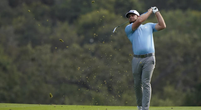 Golf, il buio ferma l'Abu Dhabi HSBC Championship 2021 con Tyrrell Hatton al comando. Nino Bertasio 19esimo