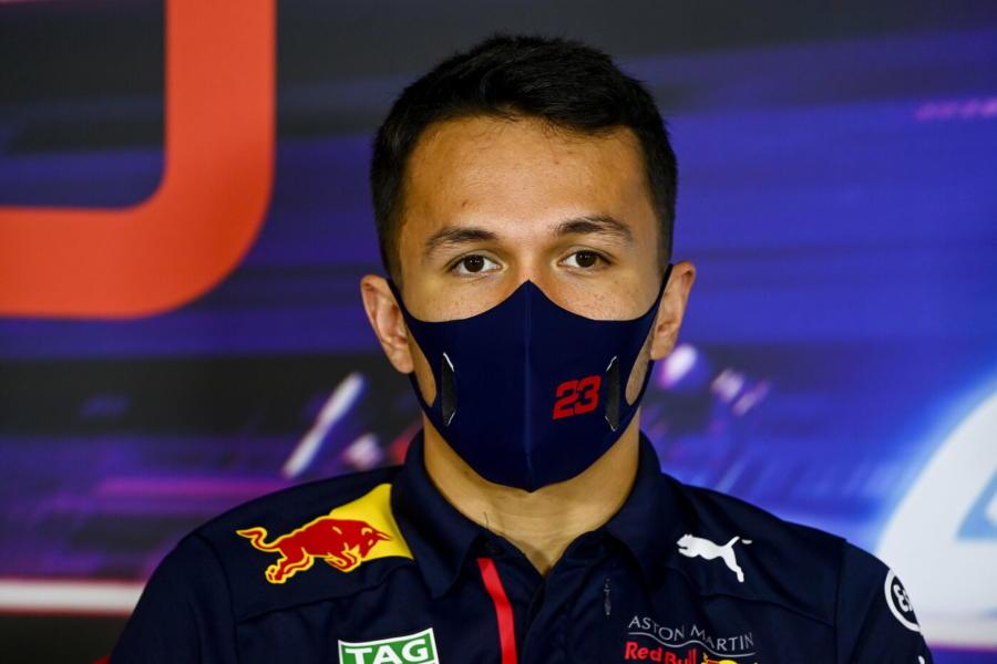 F1: Red Bull correrà con motore