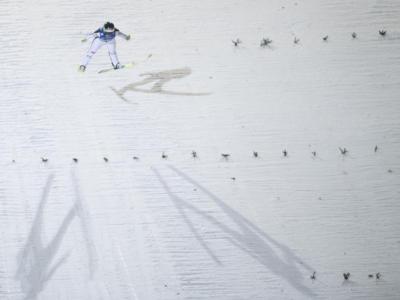 Salto con gli sci femminile, festa slovena a Hinzenbach. Kriznar beffa Klinec in una giornata ricca di colpi di scena