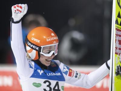 Salto con gli sci: Marita Kramer vince ancora a Chaikovsky, Takanashi-Kriznar all'ultimo respiro per la Coppa del Mondo