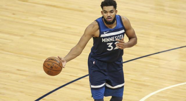 NBA: Karl-Anthony Towns positivo al Covid-19. La stella dei Timberwolves ha già perso madre e sei parenti causa coronavirus