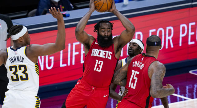 NBA: James Harden ai Brooklyn Nets in una trade a quattro squadre