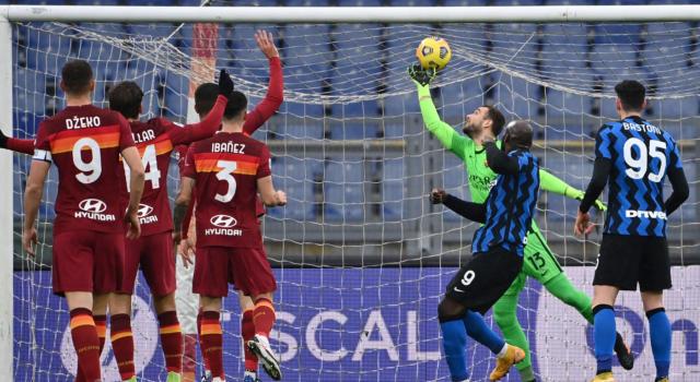 Calcio, Serie A: spettacolare 2-2 tra Roma e Inter. Mancini regala un punto d'oro ai giallorossi nel finale