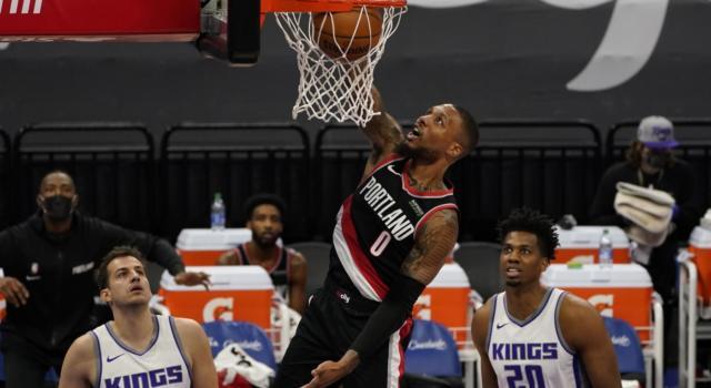 NBA 2021, i risultati della notte (14 gennaio): Lillard scrive 40, tripla doppia di Antetokounmpo. Dallas, Porzingis torna con vittoria