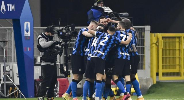 Inter-Juventus 2-0, i nerazzurri vincono il derby d'Italia e agganciano il Milan in testa! Gol di Vidal e Barella