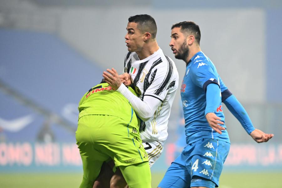 Gli anticipi della 15: il Napoli travolge lo Spezia, pari tra Udinese e Bologna