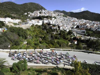 LIVE Classica Comunitat Valenciana in DIRETTA: Manzin della Total Direct Energie vince in volata