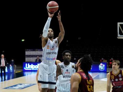 Basket, Serie A 2020-2021: 14ª giornata. Apre Cantù-Fortitudo, Milano ospita Pesaro