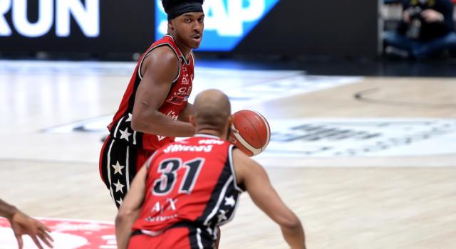 LIVE Olimpia Milano-Pesaro 97-93, Serie A basket 2021 in DIRETTA: l'Armani vince e si garantisce la prima testa di serie alle Final Eight di Coppa Italia