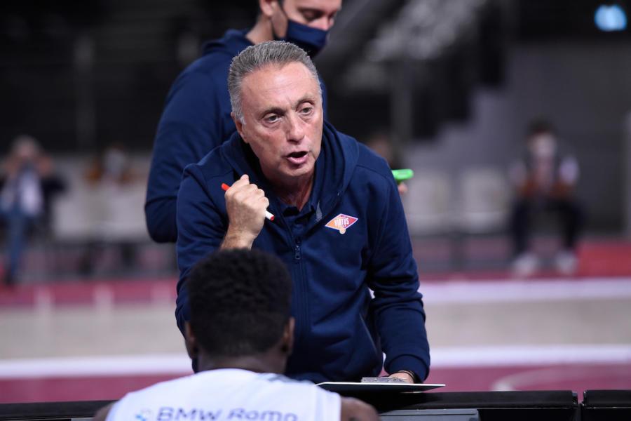 Basket: Piero Bucchi è il nuovo allenatore di Cantù