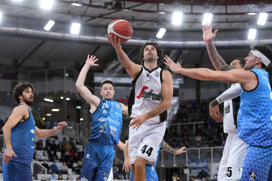LIVE Virtus Bologna-Brescia 40-48, Serie A basket in DIRETTA: ottimo primo tempo della Leonessa