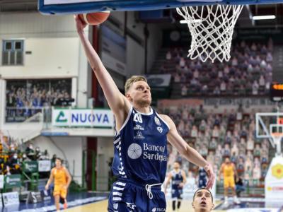 LIVE Trieste-Dinamo Sassari 82-103, Serie A basket in DIRETTA: il Banco passa all'Allianz Dome con 28 punti di Marco Spissu