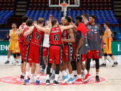 Basket, Olimpia Milano in viaggio per tornare finalmente in Italia. Ancora da stabilire la data del recupero con Cremona