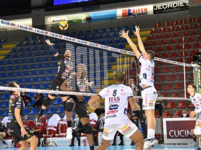 LIVE Coppa Italia volley in DIRETTA: Perugia, Civitanova, Trento e Modena volano in semifinale!