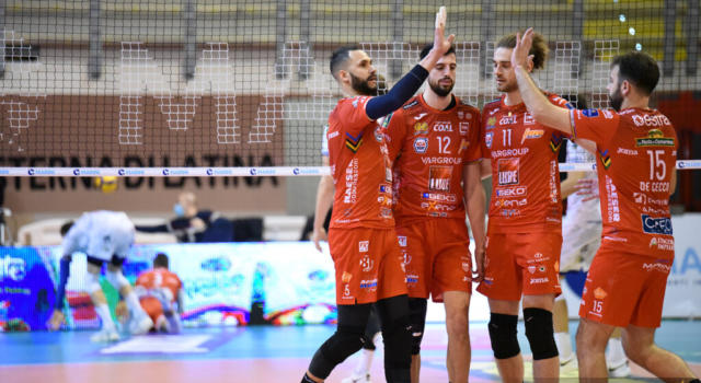Volley, SuperLega: Perugia e Civitanova, botta e risposta vincente. Trento, 15 successi di fila! Modena sconfitta