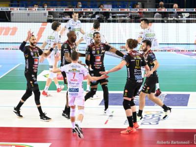 LIVE Civitanova-Modena 3-0, Coppa Italia volley in DIRETTA: Lube sugli scudi, Juantorena e compagni volano in finale!