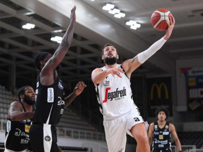 Basket, i migliori italiani della 15 giornata di Serie A. Belinelli, continua il lancio di segnali. Pesaro sulle ali di Filloy