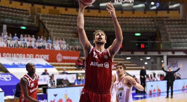 Basket: Trieste è più squadra, Reggio Emilia battuta nel recupero di Serie A