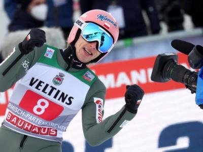 LIVE Tournée 4 Trampolini 2021, Innsbruck in DIRETTA. Kamil Stoch immenso: mette le mani sul tris! Lanisek e Kubacki sul podio