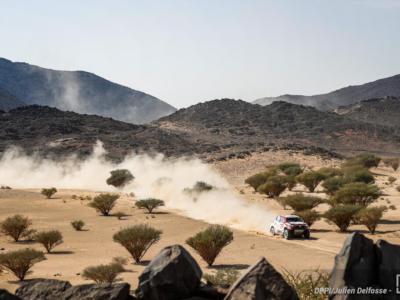Dakar 2021, Giniel De Villiers fa sua la quinta tappa, Stephane Peterhansel gestisce bene e allunga su Al-Attiyah