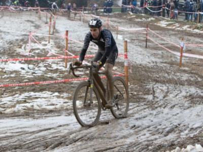 Ciclocross, Gioele Bertolini batte Dorigoni a Variano. Fabio Aru 15°: il sardo andrà ai Mondiali?