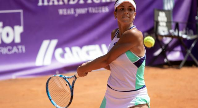 Tennis: Lucrezia Stefanini saluta il WTA di Abu Dhabi 2021. Elena Rybakina la batte in un'ora