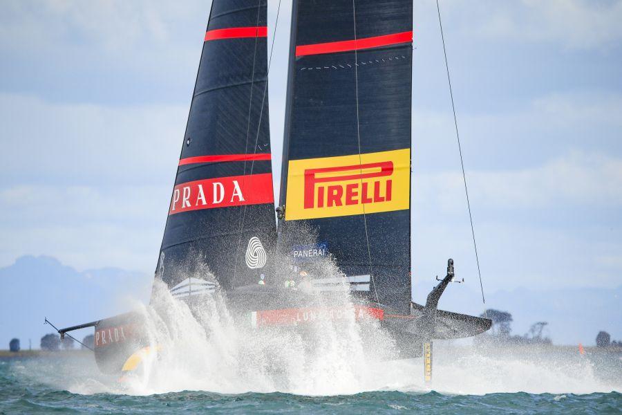 VIDEO Luna Rossa in allenamento: si prepara la semifinale di Prada Cup. Novità sulla barca? C'è anche New Zealand…