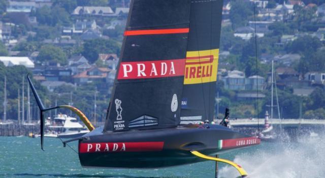 LIVE Prada Cup in DIRETTA: nuovo programma e orari. Luna Rossa si gioca il primo posto