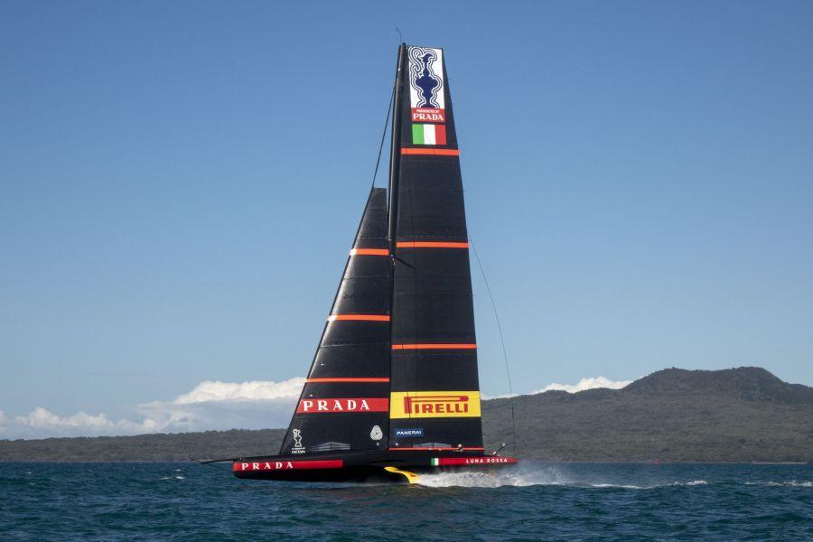 """Prada Cup, Francesco Bruni: """"A Luna Rossa piace il vento leggero. Oggi sono orgoglioso del team"""""""
