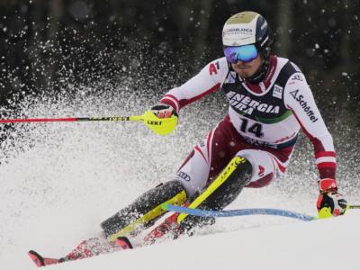 VIDEO Sci alpino, Manuel Feller vince lo slalom di Flachau con una seconda manche straordinaria!