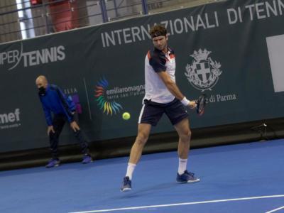 ATP Singapore 2021, Roberto Marcora batte in due set Ernests Gulbis e conquista l'accesso agli ottavi di finale