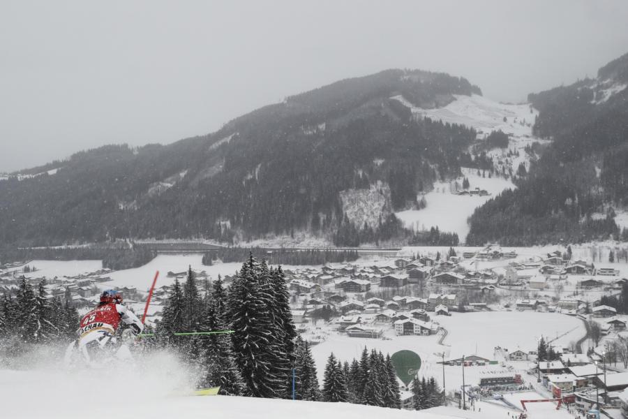 Sci alpino, Lara Della Mea splendida seconda nello slalom di Gstaad di Coppa Europa, beffata da Andreja Slokar
